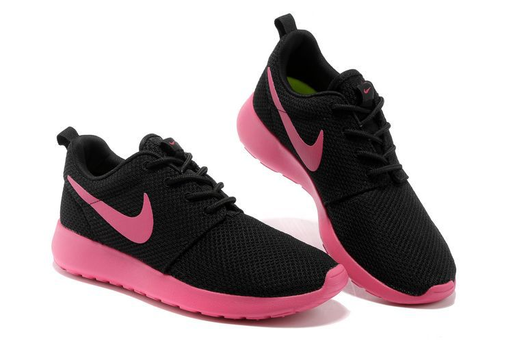 basket nike roshe run noir et rose