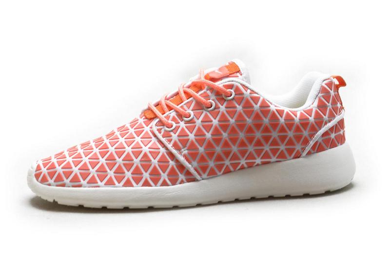 nouveau style 0c53e e297d chaussures nike soldes,roshe run rose,nike roshe rose
